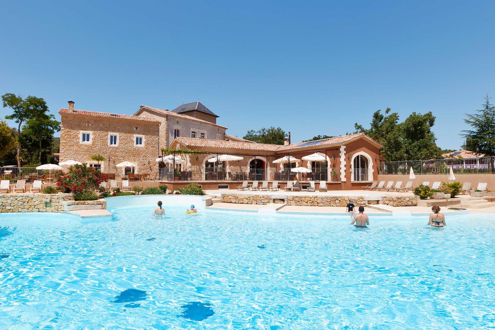 camping Ardèche 5 étoiles avec piscine chauffée